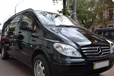 Микроавтобус Mercedes Vito Long на прокат в Киеве