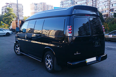 Микроавтобус Chevrolet Express Platinum на прокат в Киеве