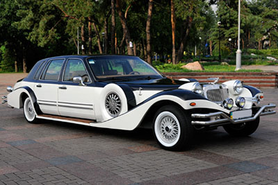 Ретро автомобиль Excalibur Phantom на прокат в Киеве