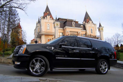 VIP авто Cadillac Escalade Long VIP на прокат в Киеве